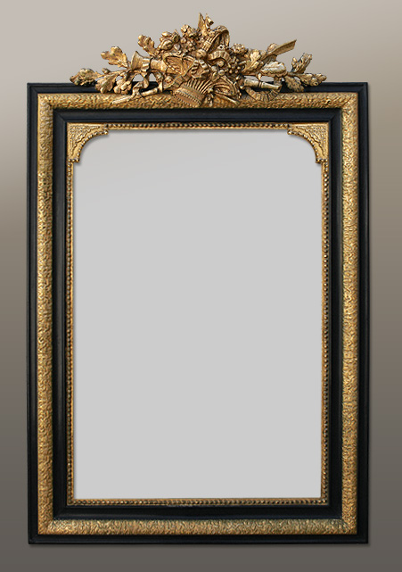 Miroir ancien napol on 3 fronton coquille dorure la for Grand miroir noir