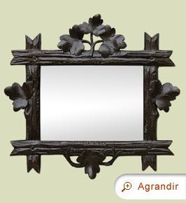 petit-miroir-ancien-en-bois-sculpte-foncé-decor-de-feuillages-style-art-populaire